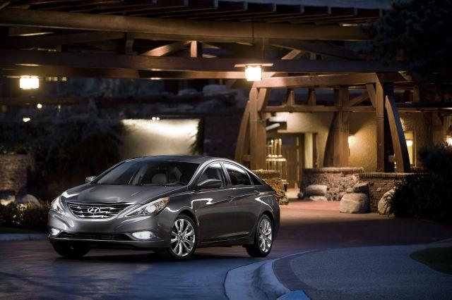 [Resim: alb_68_00_2011-Hyundai-Sonata-10.jpg]